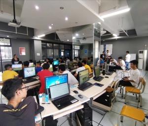 2019年东莞市技师学院无人机专业学生实操基础知识培训